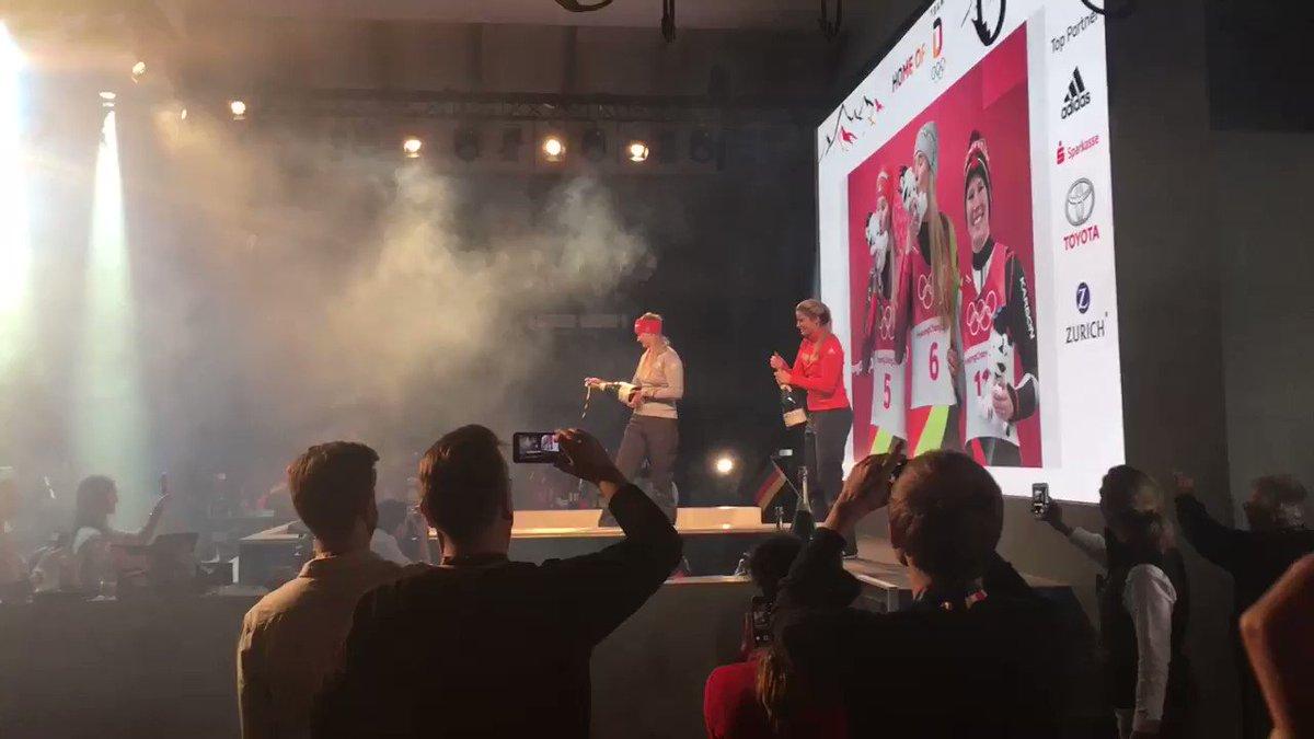 RT @reporterklein: Party mode 🤙🏻🎉🛷🥇🥈@Eurosport_DE @BSD_Presse #HomeOfTheOlympics #Geisenberger #Eitberger https://t.co/s5Cec33P3l