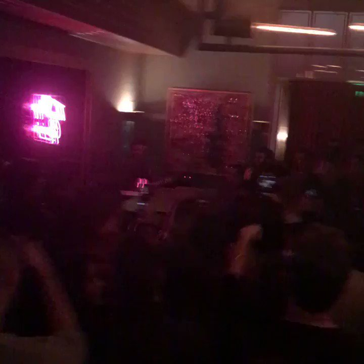 Keala Settle performing the Oscar-nominated 'This is Me' at a club in Hollywood. Also here cheering her on: Emma Stone, Mindy Kaling, Darren Criss, Ricky Martin, Chrissy Metz, Damien Chazelle, Alan Ball https://t.co/7pq7VDpHHh