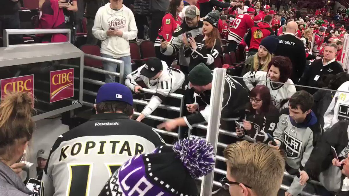 RT @LAKings: 🏒🔜  #GoKingsGo https://t.co/N481ELn8Is