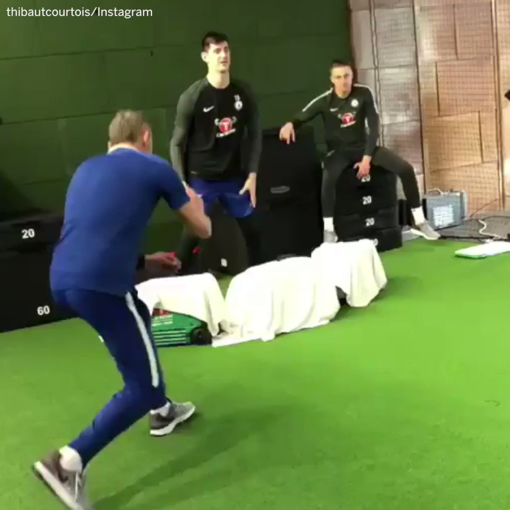 Chelsea GK Thibaut Courtois has #SCtop10 reflexes. https://t.co/aiWItgs4Hz
