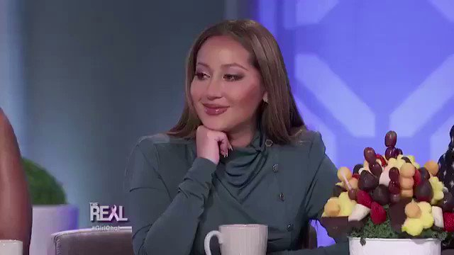 *boy compliments me*   me: uhhh sounds fake but ok  *girl compliments me*  me: https://t.co/8fEnwYlech