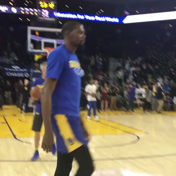 50 PTS in his last regular season game... KD hits the floor for tonight's @warriors action on @NBAonTNT! #DubNation https://t.co/ahjqlEqxWN