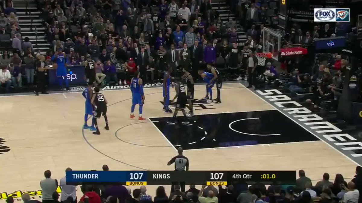 Tied at 107. 1 second left.  RUSS ... WHY NOT?!?!?! https://t.co/Ngbg2RyUqA