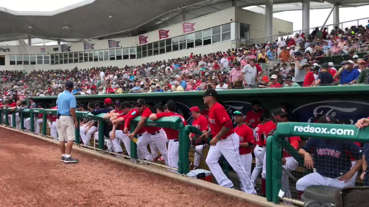 There they are! Play Ball! ⚾️  #SoxSpring https://t.co/qxDeOXPGNh