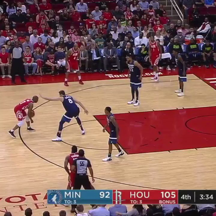 Pure filth from @CP3 ... and @JHarden13 knew it. https://t.co/uwY83qmeTf