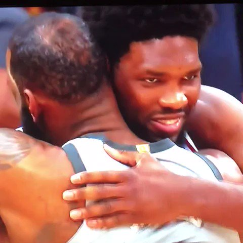 lolll Embiid out here recruiting �� https://t.co/bBwf6elnaC
