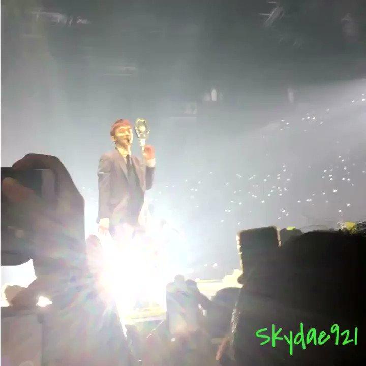 RT @Skydae921: EXO - boomerang #Chen #EXO #ElyXiOnInSG #ElyXiOninSingapore...