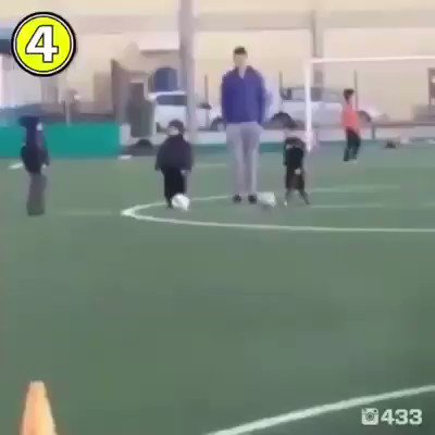 RT @ElPenaltiFCB_: Primer entrenamiento del hijo de Sergio Ramos ???????????????? https://t.co/C1t1Isr5UR https://t.co/sIwHMPOGkJ