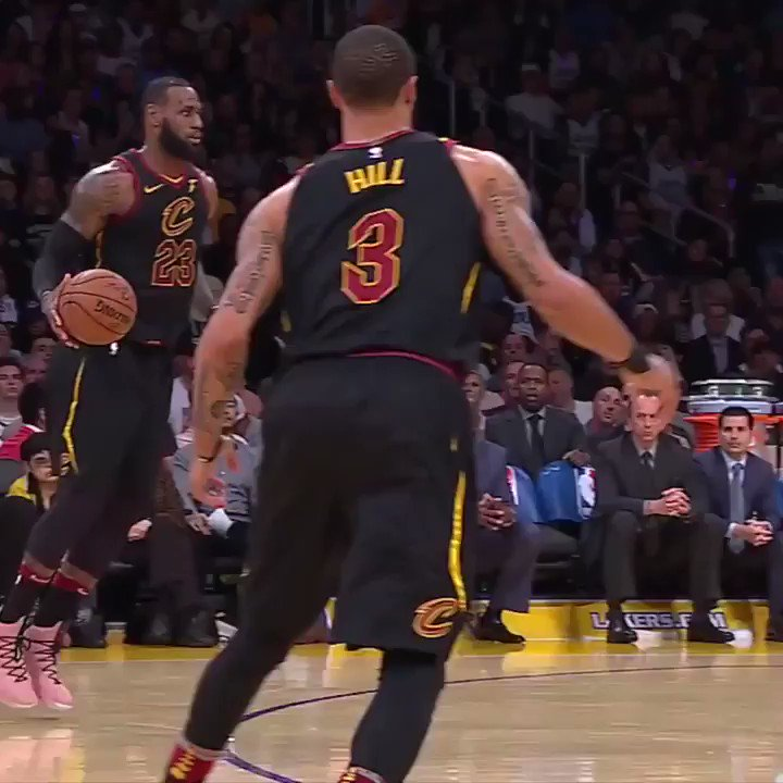 LeBron's no-look gets better each time you watch it https://t.co/gSrDpczeYs