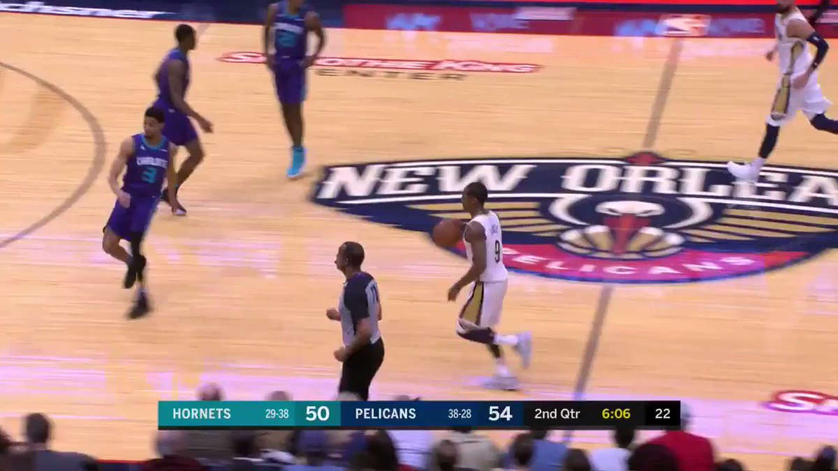 Rondo ➡️ AD for Rajon's 10th dime of the night.  He is up to 11 already in the 1st half #DoItBig https://t.co/AN8wFyUWD2