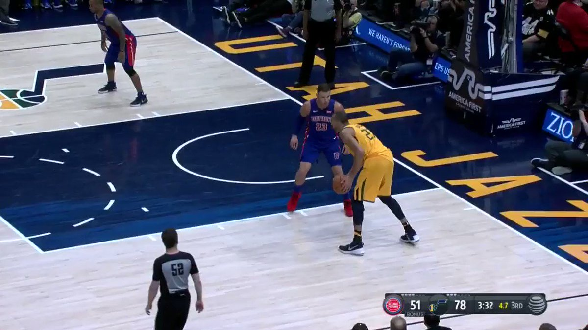 Mitchell from DEEP! #NBARooks   #TakeNote https://t.co/QJa5cP0LKE