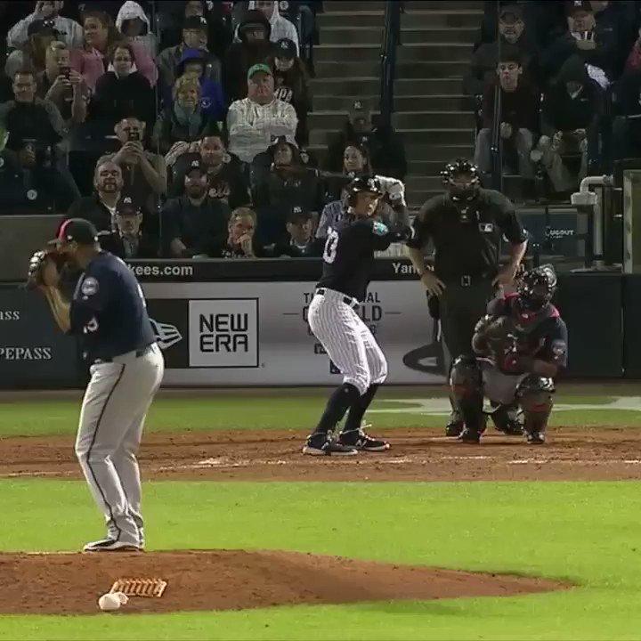 A no-look pick-off throw!? #SCtop10 https://t.co/ISw1YsJmjk