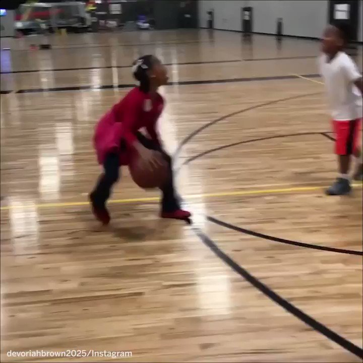 This girl's got game. #SCtop10 https://t.co/ozpDmJxjyB