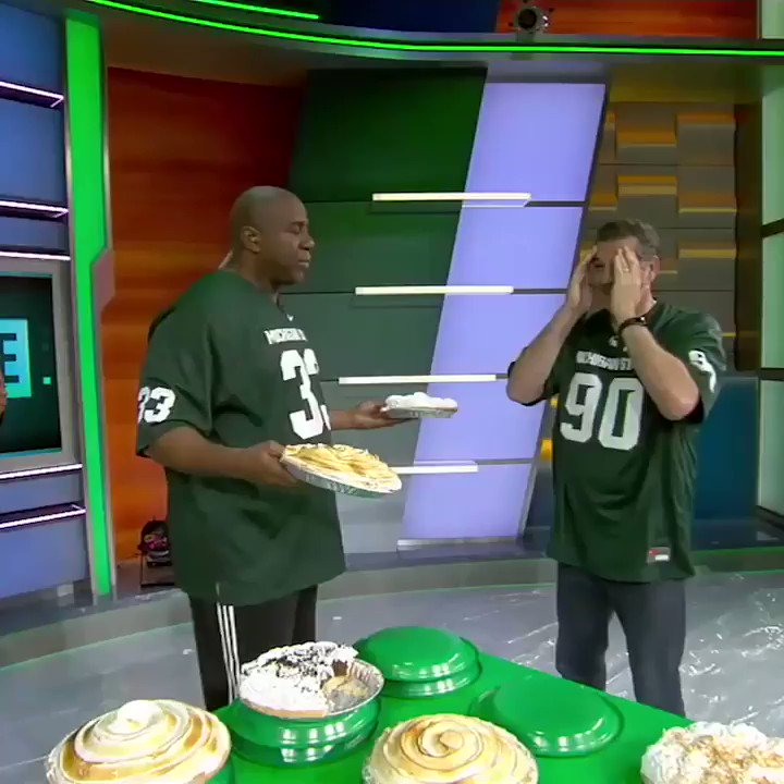 Celebrating #PiDay by taking it back to that time Magic pied @espngolic in the face. �� https://t.co/BvJTbgqba2