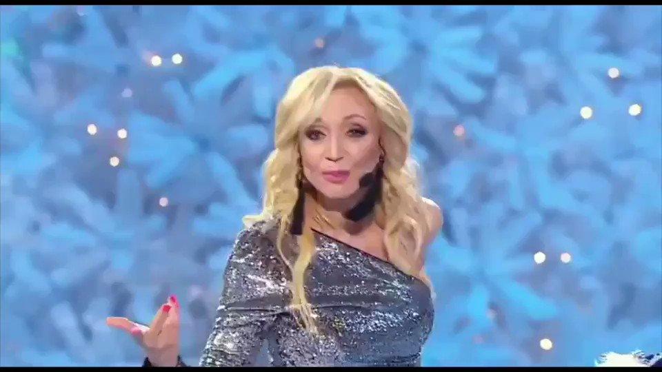 Новый хит от @fkirkorov #цветнастроениясиний Поют и танцуют все! ???? https://t.co/1I6UqEM1Hp