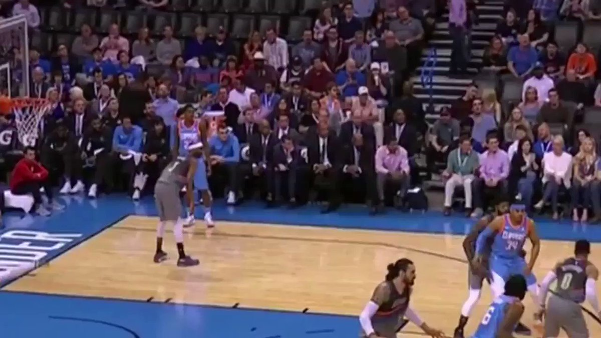 ��Stealing the show   @TheCoreyBrewer 6 swipes last night.   Ties Thunder season high (PG 2x) https://t.co/qiuVtHQspD