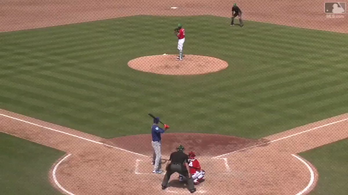 No matter the position, Wilmer Flores just rakes.   �� �� https://t.co/WAx8O4GR3o https://t.co/XqMklbdawY