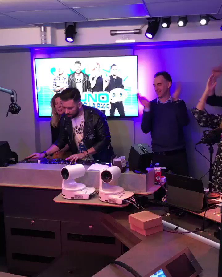 Morning madness with the lovely team at @funradio_fr in Paris!!! ???? #Dancing #Remix #GOLDEN https://t.co/V0jcZoMWir