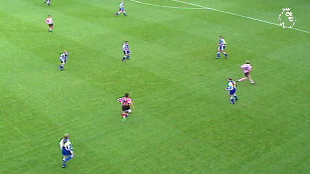 Throwback to a moment of brilliance from @mattletiss7  #GoalofTheDay https://t.co/jPGTCbaF22