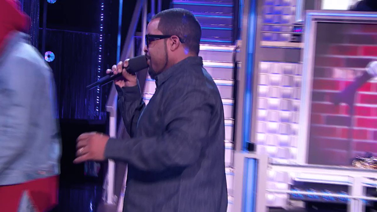 Ain't no party like a #HipHopSquares party ❌⭕Catch the return to the ⬛s WED APRIL 18 at 10/9c on @VH1! https://t.co/r2xzGn26Vb