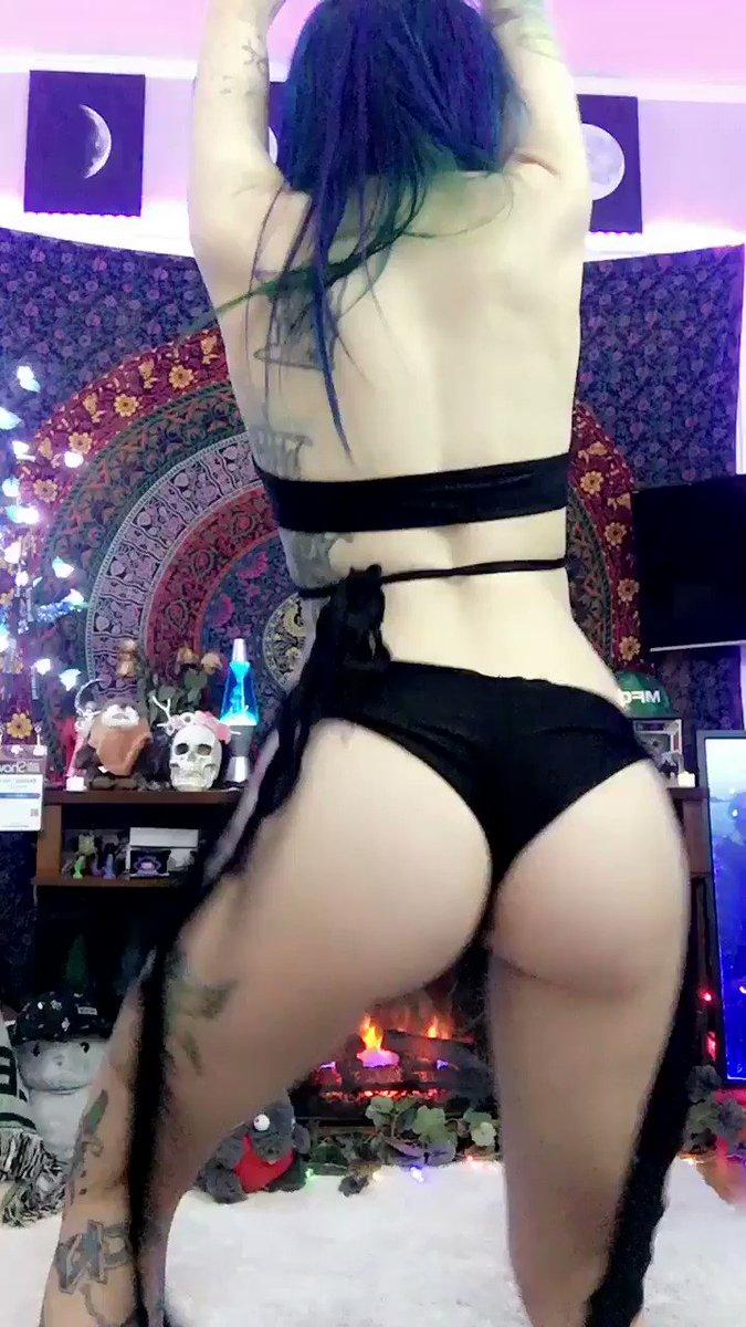 Happy booty 😃 Ic1mbNGF4K