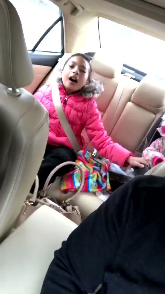 RT @DubGretzky: My kids recently discovered @ashanti and they won't stop listening to her. https://t.co/CxJlYmktqy… https://t.co/NmpB6RErMt