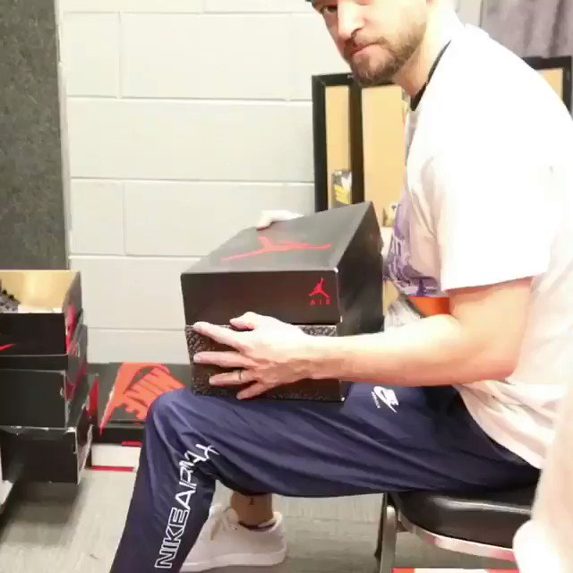 @jtimberlake: RT @ComplexSneakers: me every time I open new sneakers, @jtimberlake.  ? https://t.co/qSgEEencVy