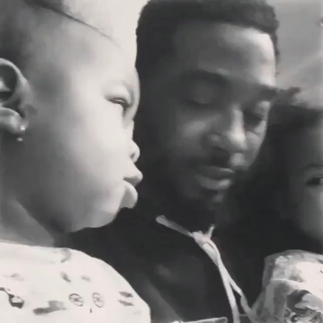 """I Am Intelligent. I Am Strong. I Am Kind. I Am Black. I Am Beautiful.""  Twin Baby Girls practicing positive affirmations with their dad. ❤️   https://t.co/CeJp0ko3oo"
