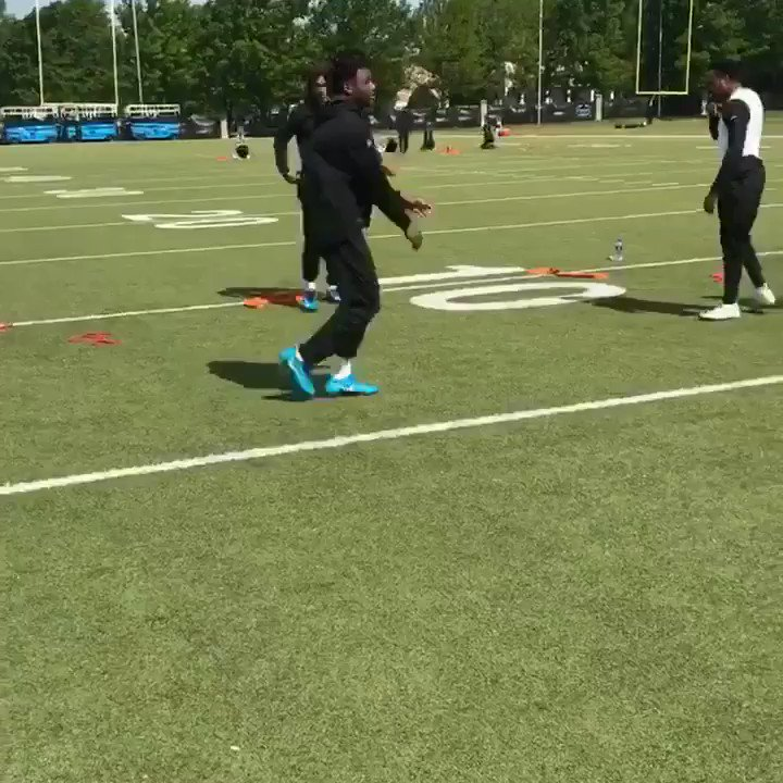 Moves provided by @CurtisSamuel4__ #TurntUpTuesday https://t.co/JCsqg9zzqd