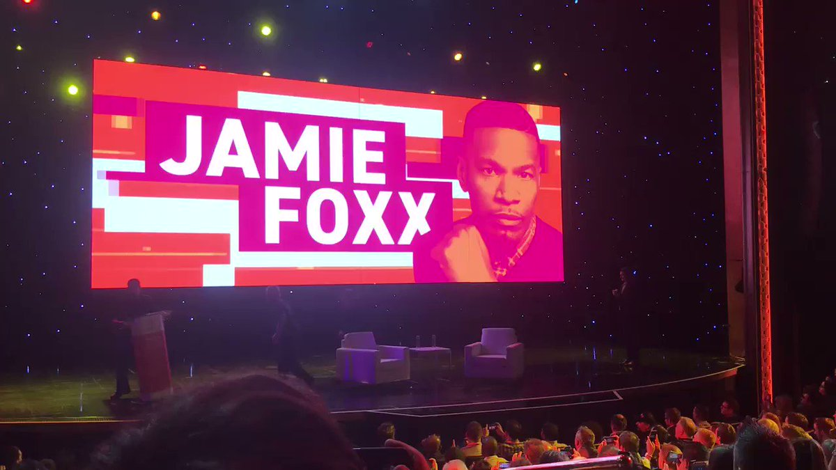 bobbyshaw: Holy shit. It's Jamie Fox #magentoimagine https://t.co/V0IVyrOSYR
