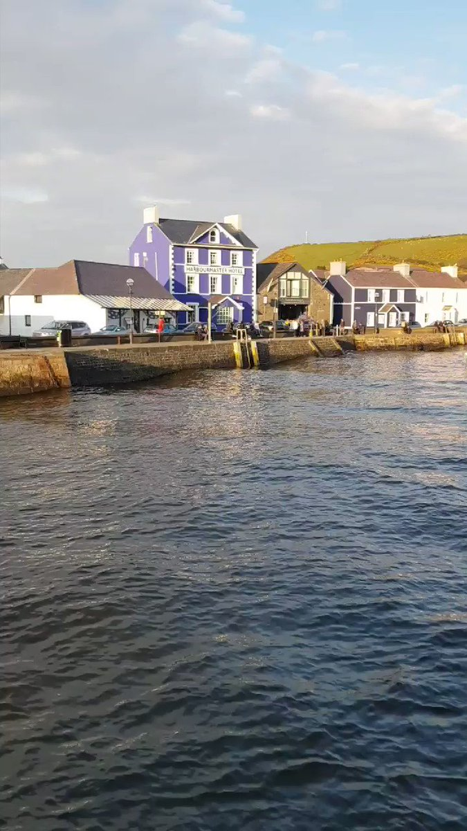 RT @visitwales: Evening tide at Aberaeron on 'The Coastal Way' #FindYourEpic https://t.co/WxeySXNCuO