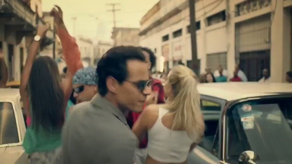 I hope you have a great week, #MiGente! This song will cheer you up! #MondayMotivation https://t.co/cvi99RyFPF