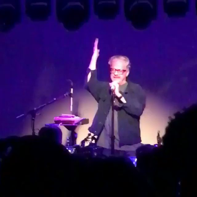 This was a surprise to see Mark Mothersbaugh sing a special happy birthday rendition for 50th..