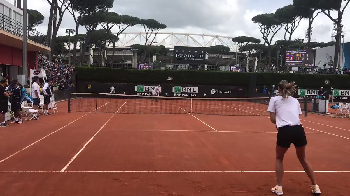 Two minutes on court with the GOAT ???? @RafaelNadal #BucketList Was so nervous ???????? https://t.co/mfUO2Xx79l