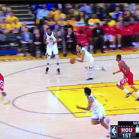 Andre Iguodala's left knee con nick young