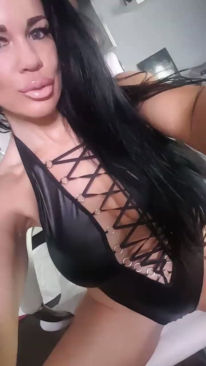 New crazy hot videos going live soon! vbaOgINdZl #latex #musclegirl #fitnessmodel #RawFootage