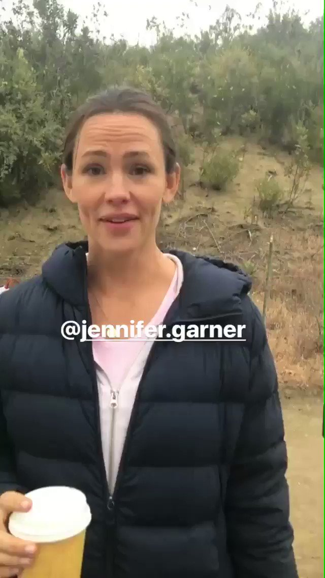 Jen Garner is pretty cute #CampingHBO https://t.co/tqH7FWdxU9