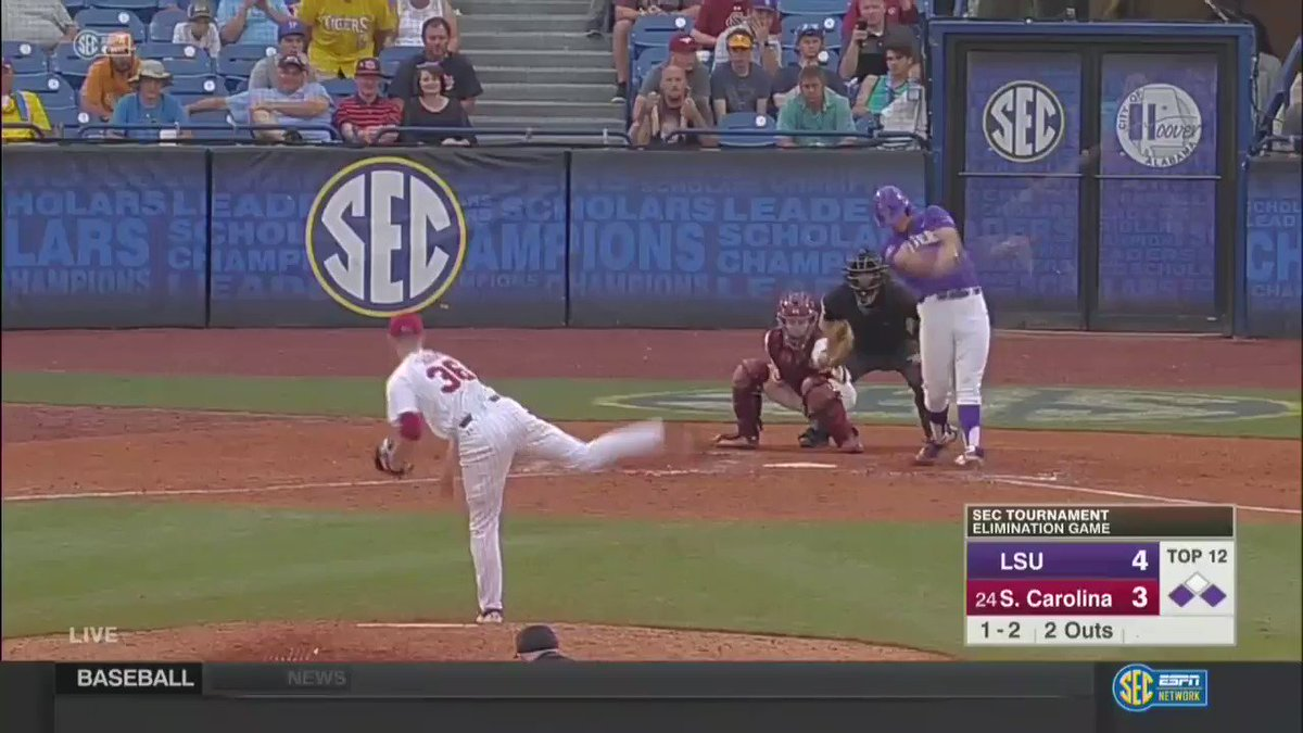 In his first career at-bat at LSU, @Todd_Peterson3 does this!  ��: https://t.co/osU46zu2I0 https://t.co/faElPgjJiA