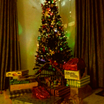Our Xmas tree n Santa's goodies for my boys:)may this Xmas bring peace, happiness n harmony in very which way 2 all!