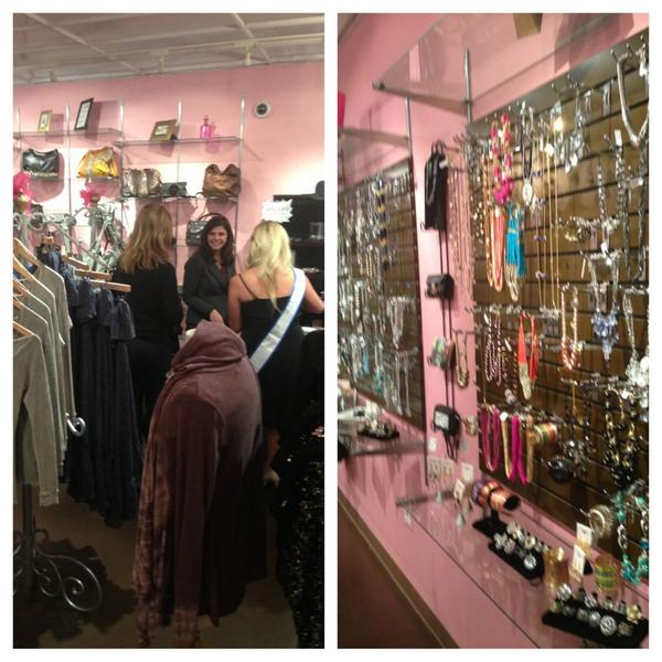 Sherrie Handrinos (@Sherbear2313): Holiday shopping at @ShopSpoiledGirl with @ShannonLazovski @glamorousmoms http://t.co/8Guqok8D