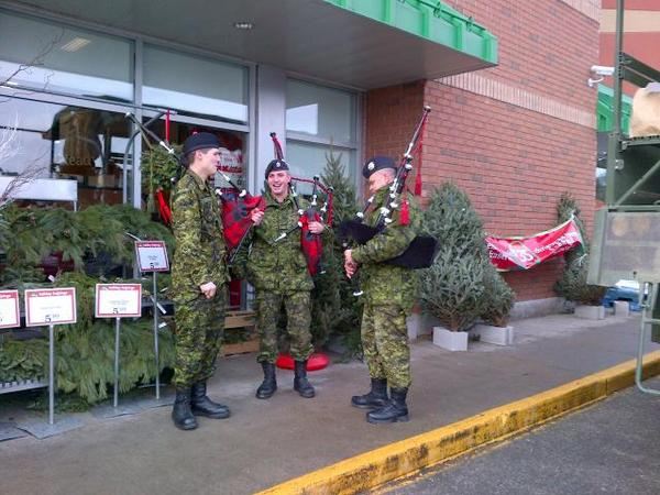 RHFC P&Ds playing Christmas tunes @sobeys for #stuff_a_MSVS #SoNoOneGoesHungry. @FoodBankWatReg @RHFCAssociation http://t.co/iZZyNQMx