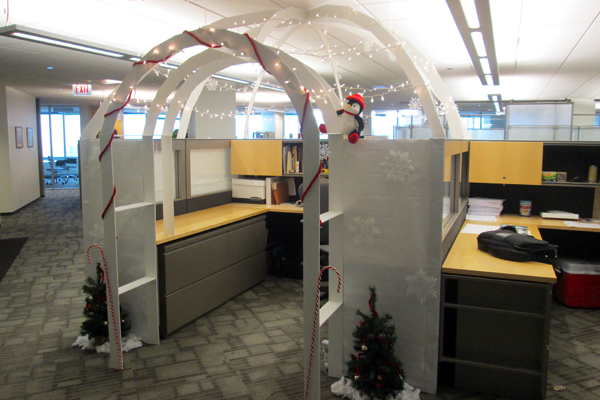 It's a cubicle. It's an igloo. It's an igloobicle at ENVIRON's Chicago office. #InspiredOffices http://t.co/aiqD3hJ1