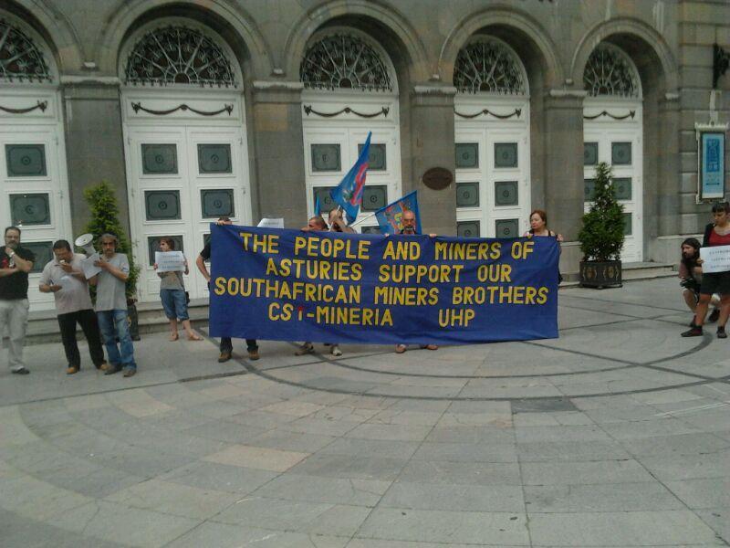 Conc apoyo mineros sudafricanos en Oviedo, ahora mismo http://t.co/uOGpKuc2