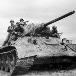 """@StranaRu: 23 августа 1943 года победно закончилась Курская битва http://t.co/NkTaJSQw1j http://t.co/PC3SmjIfWd"""
