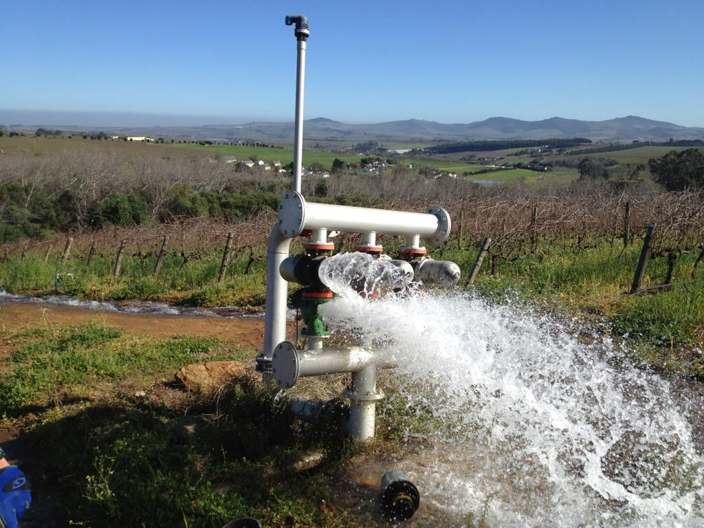 @ernieels lekker bike ride on Ernie Els Wines. Water pipe needs repairs! http://t.co/mcbcffE5