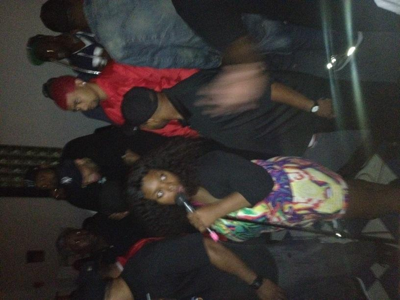 They got me in the back yard show partying with Wale & Chris brown!!!!! Turn up http://t.co/O87vhtjH