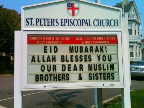 RT @alshammarsf: كنيسة مسيحية في امريكا تهني الأخوة المسلمين بالعيد وتتمنى من الله ان يحفظهم ! http://t.co/elGCpVPU
