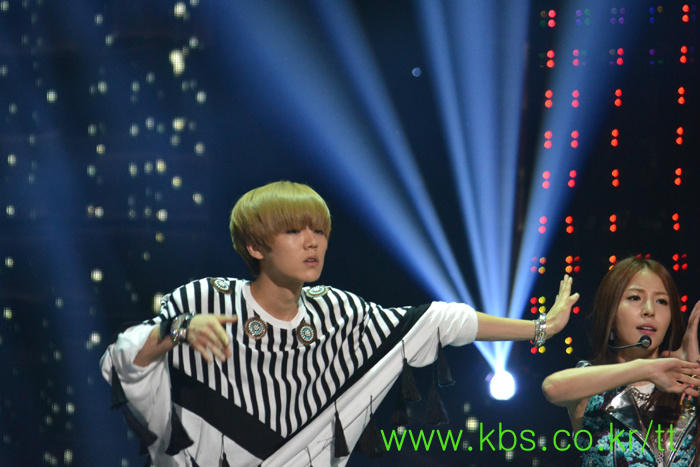 120824 Luhan and BoA 'Only One' Stage Rehearsal on Music Bank (src:kbs_exclusive) http://t.co/e4b56DZu
