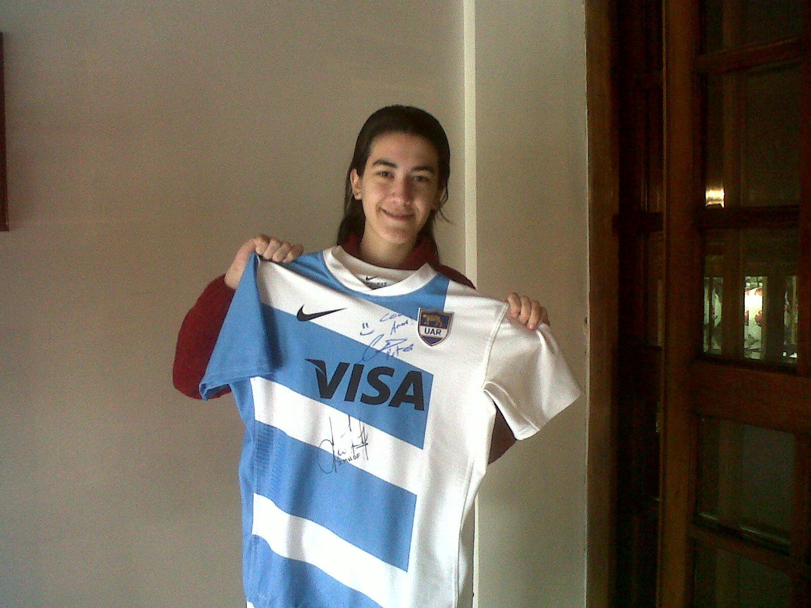 Gracias @p_lanzani por la nueva #camisetapumas te mando un beso!! http://t.co/Vb1gMRLB
