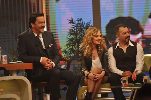 Alexandra Stan @ Beyaz Show Turkey http://t.co/JGIMQnWm